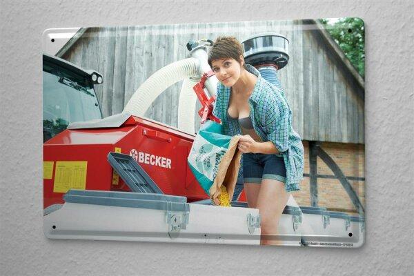 Blechschild Sexy Girl Traktor Mais Metallschild 20X30 cm