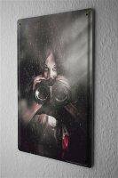 Blechschild Frau mit Fernglas Metall Deko Schild 20X30 cm...