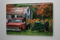 Blechschild Nostalgie Traktor altes Bauernhaus mit Oldtimern