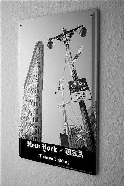 Blechschild Dave Butcher schwarz weiß Foto USA New York Flatiron Building bike only 20x30 cm